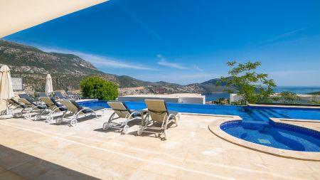Kalkan'da Muhteşem Manzaralı, İhtişamlı Ultra Lüks Villa