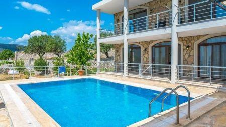 Marmaris Söğüt'de Muhteşem Deniz Manzaralı Villa