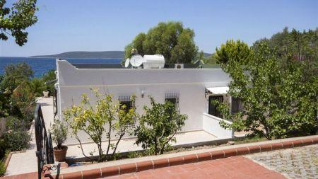 Bodrum Güvercinlik'te Denize Yakın, Şömineli, Muhteşem Taş Villa