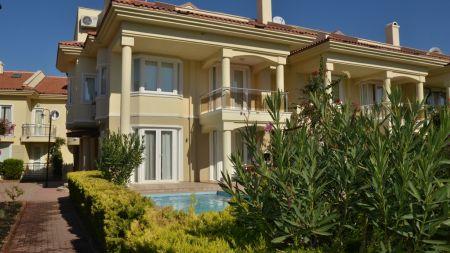 Fethiye'de Denize Sıfır, Özel Havuzlu, Bahçeli Villa