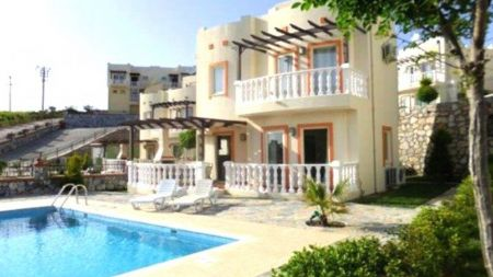 Bodrum Adabükü'nde Özel Havuzlu 3+1 Kiralık Villa