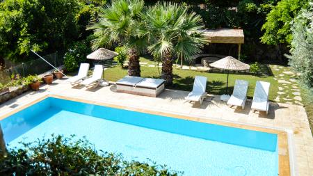 Plaja 300 m. Uzaklıkta, Bahçeli, Havuzlu Villa