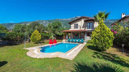 Fethiye, Ölüdeniz'de Geniş Bahçeli 6 Kişilik Villa