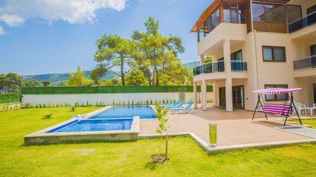 Sarıbelen'de Sessiz Sakin Özel Havuzlu Villa