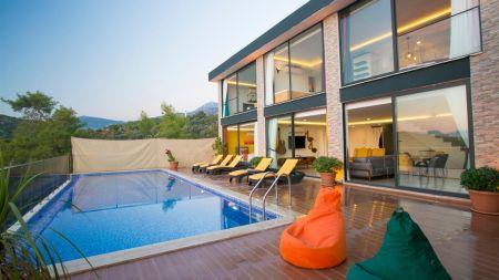 Kalkan Üzümlü'de Muhteşem Doğada, Isıtmalı Özel Havuzlu, Çift Jakuzili, Modern Villa