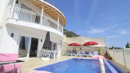 Kalkan'da 6 Kişilik Özel Havuzlu Kiralık Villa
