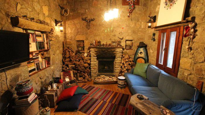 Bitez'de Mandalina Bahçesi İçerisinde, Doğayla İç İçe Taş Ev
