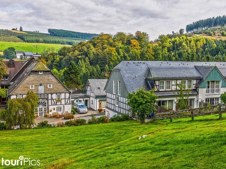 4 Tage Urlaub im Sauerland in Oberkirchen im Hotel Gut Vorwald mit Halbpension Angebot aufrufen