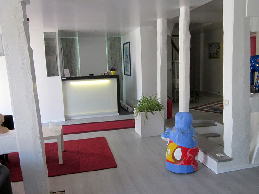 Lobby-01