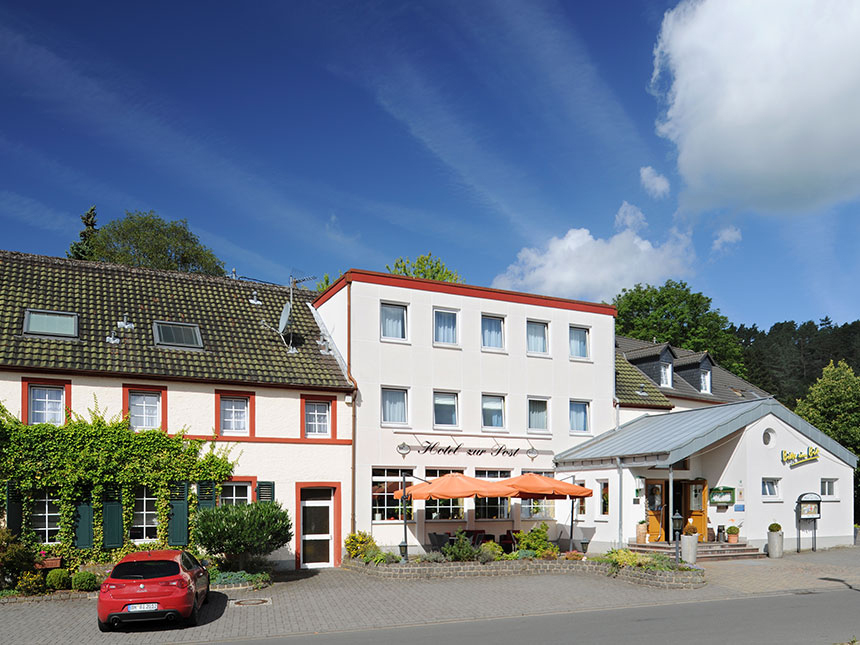 Eifel 4 Tage Deudesfeld Kurzreise Hotel zur Pos...