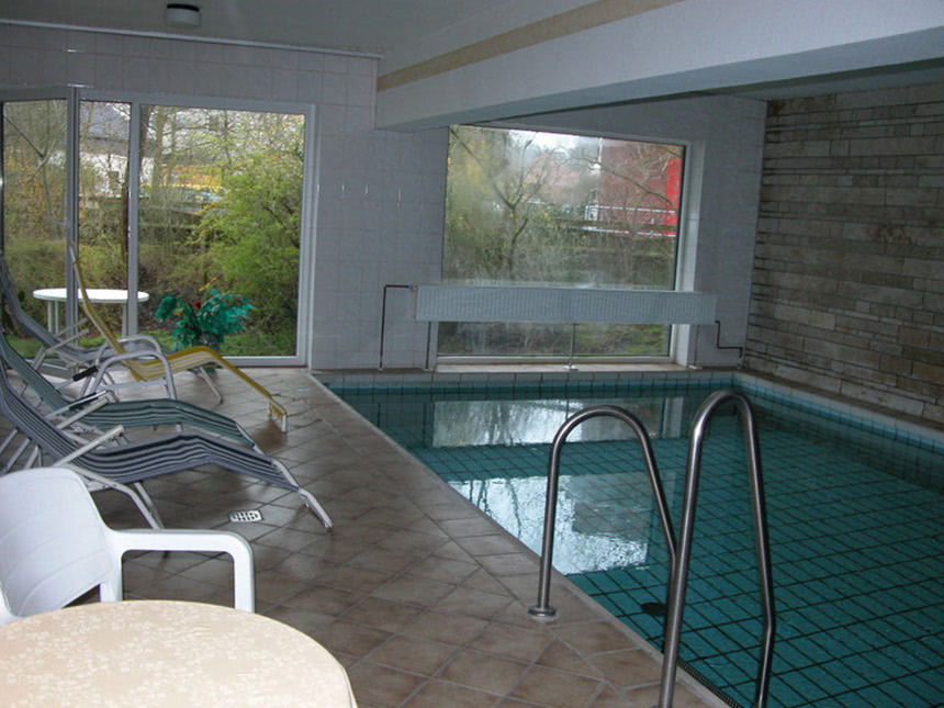 Schwimmbad-01