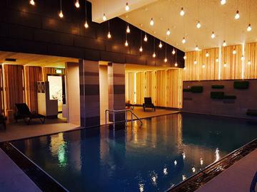 Pool-beleuchtet
