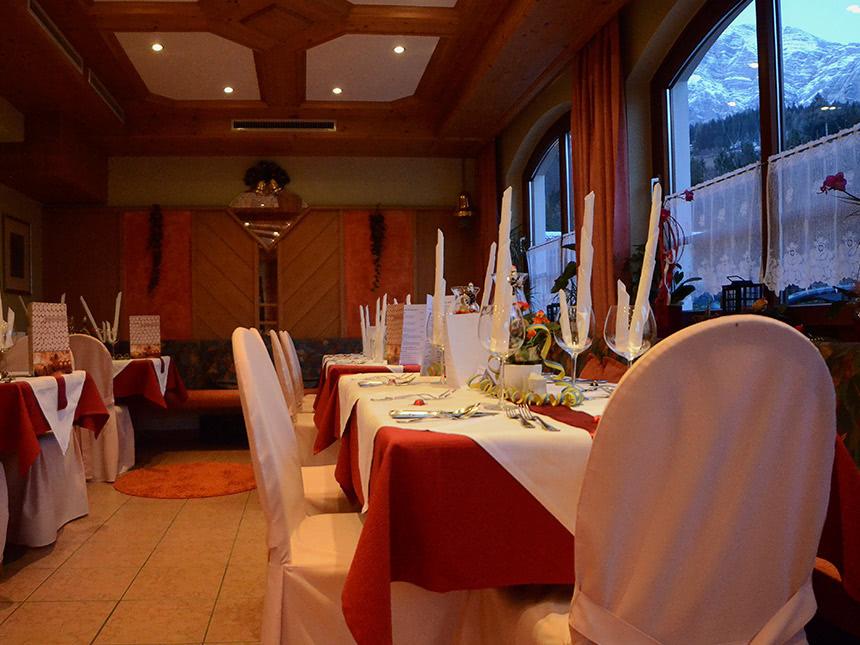 Restaurant-01