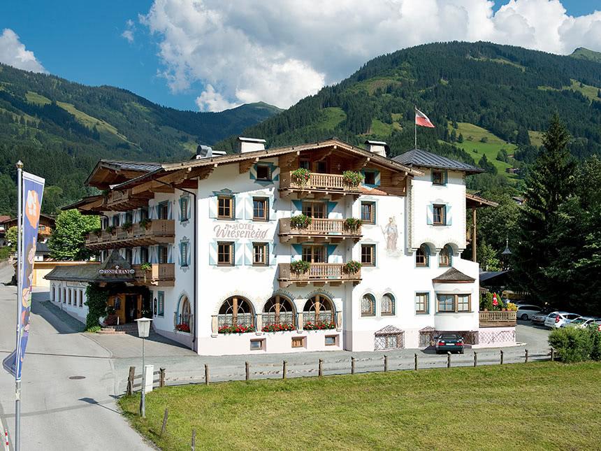 15 Tage Urlaub in Aurach bei Kitzbühel im Hotel Wiesenegg mit Halbpension