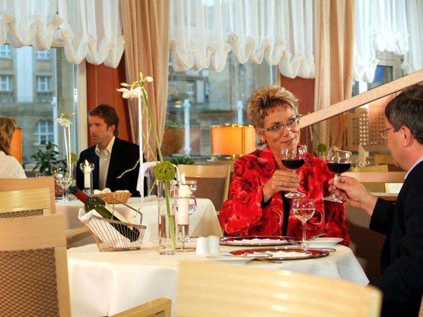 Restaurant-Paar
