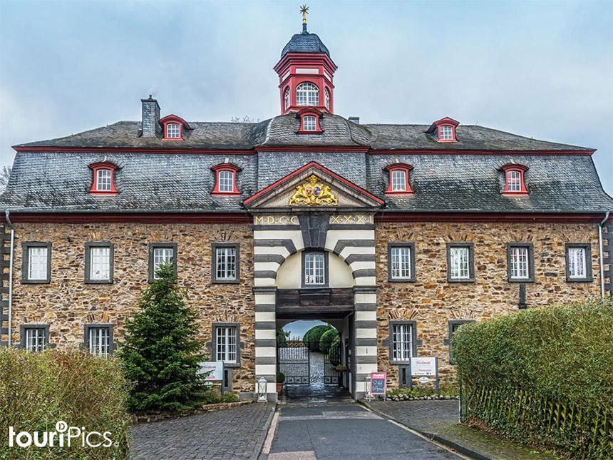 Eifel 6 Tage Urlaub Hotel Schloss Burgbrohl Rei...