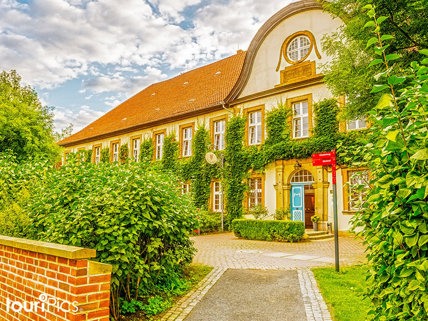4 Tage Urlaub im Harz in Goslar im Klosterhotel Wöltingerode mit Halbpension Angebot aufrufen