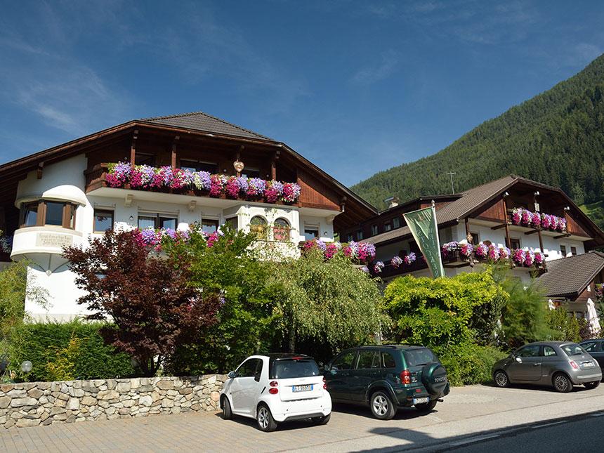 15 Tage Urlaub in Sand im Alphotel Stocker in Südtirol mit 3/4-Verwöhnpension
