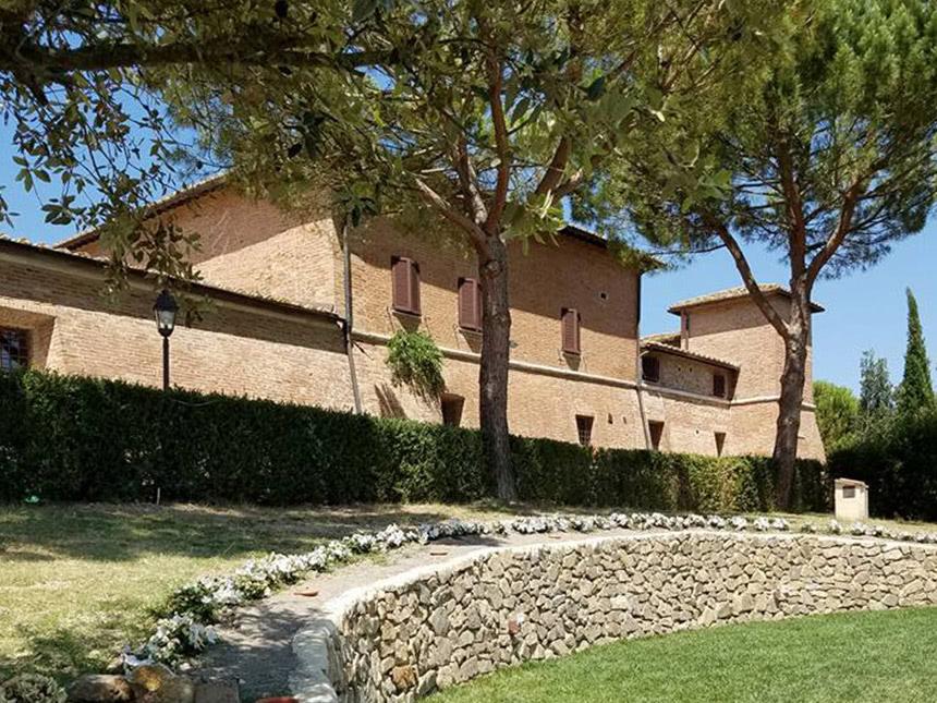 8 Tage Urlaub in der Toskana im Hotel Castello Di Leonina mit Frühstück Angebot aufrufen