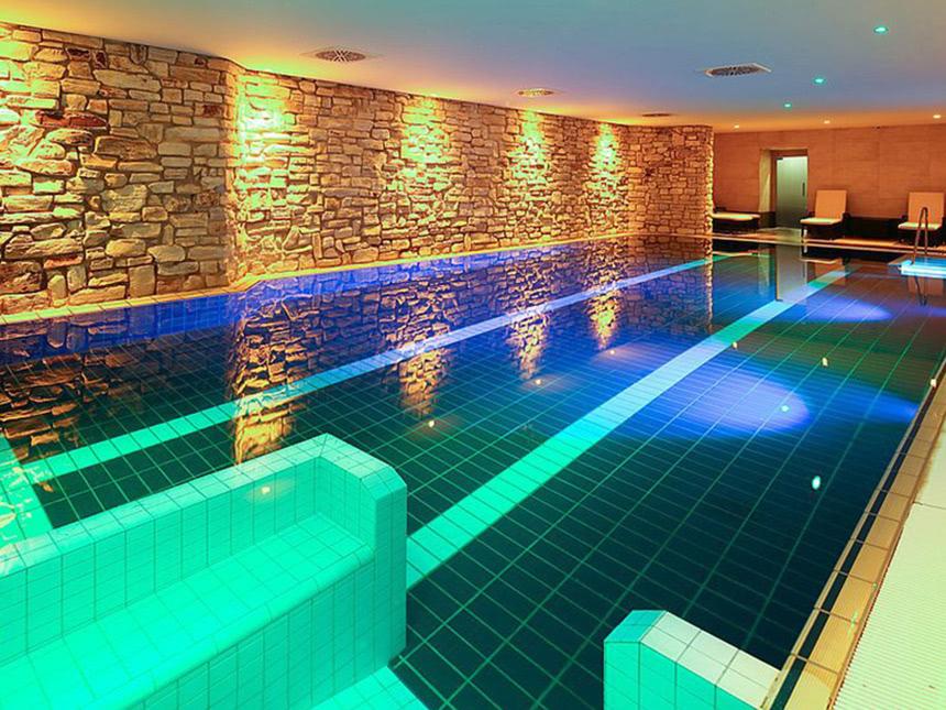 8 Tage Urlaub im Dorint Hotel & Sportresort Winterberg in einem Ferienhaus
