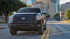 Toyota Tundra Platinum CrewMax Midnight Black Metallic