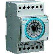 фото Hager Таймер аналоговый, суточный, 1CO, 16А, 200 часов (EH111)