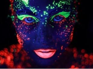 Как сделать безопасную флуоресцентную краску для боди-арт