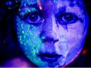 Купить флуоресцентный пигмент или готовую краску?