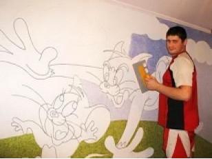 Декор и рисунки на стенах жидкими обоями