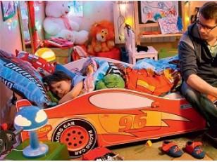 Кровать машина для мальчиков и девочек