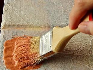 Как покрасить стену из кирпича