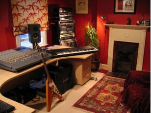 Студия звукозаписи дома. Как звукоизолировать комнату?