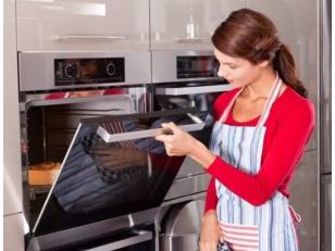 Что делать, если разбилось стекло в дверце духовки?