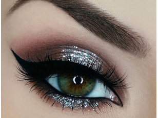 Как использовать глиттер для макияжа глаз: идеи и техники нанесения