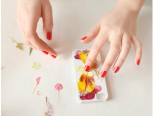 DIY: Как сделать чехол для телефона из эпоксидной смолы? 2 оригинальные идеи с живыми цветами и красками