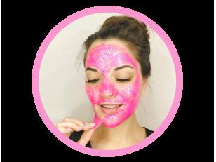 Как сделать блестящую маску-пленку Glamglow своими руками? И еще 4 лучших рецепта домашних масок для очистки пор