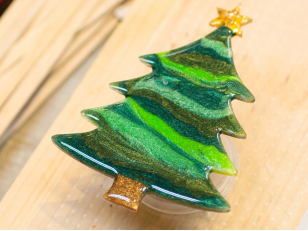 Создание новогодних украшений из эпоксидной смолы