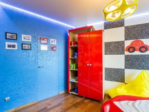 Яркий дизайн детской комнаты при помощи жидких обоев