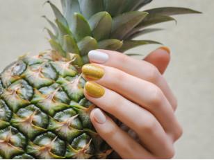 Блестки для ногтей: как сделать маникюр шикарным