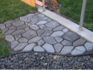 Форми для тротуарної плитки: круті і прості можливості прикрасити двір