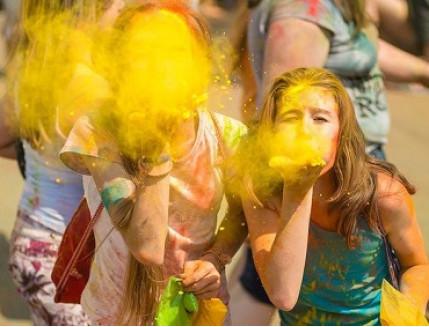 Краска Холи желтая - изображение 2 - интернет-магазин tricolor.com.ua