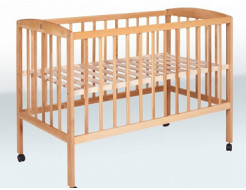 Кроватка детская на колесах 1200х600