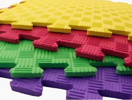 Татами мягкий пол Izolon EVA Kids ЭВА Кидс зеленый 50*50*10 - изображение 2 - интернет-магазин tricolor.com.ua