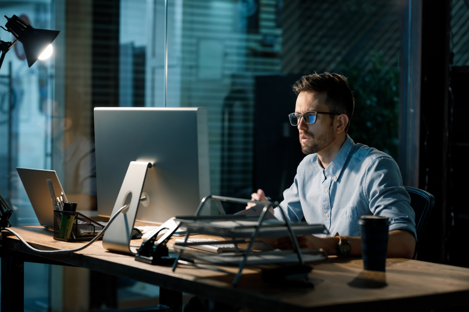 Focusing young worker late office