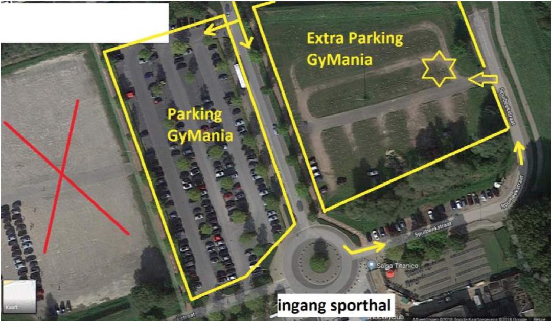 Onze parking, met parkeerwachters!