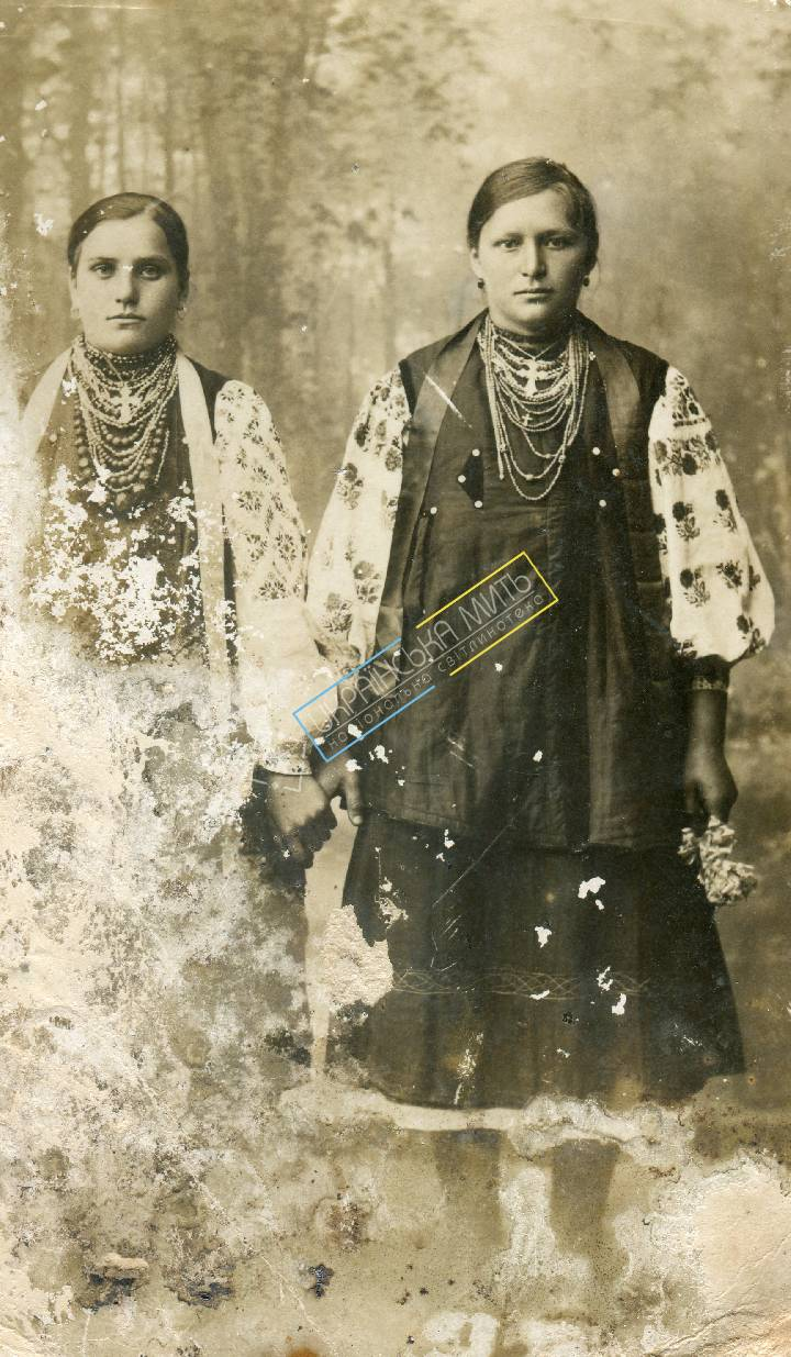 http://uamoment.com/gallery/Sumy-folk-costumes-203 photo