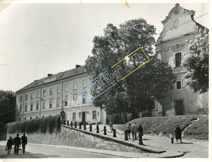 http://uamoment.com/gallery/Lviv--Old-University-373 photo