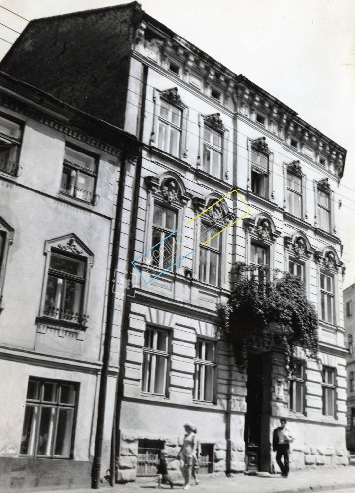 http://uamoment.com/gallery/Lviv--st--Lysenko-9--house--XIX-century-988 photo