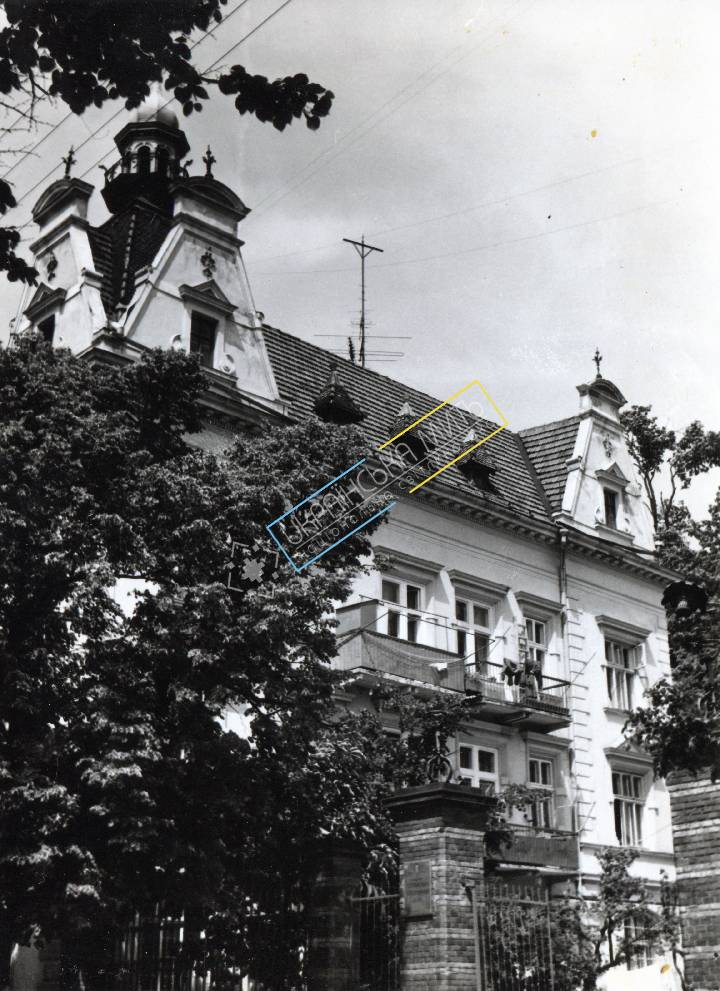 http://uamoment.com/gallery/Lviv--st--Lysenko-shooting-fraternity-house-1789-993 photo