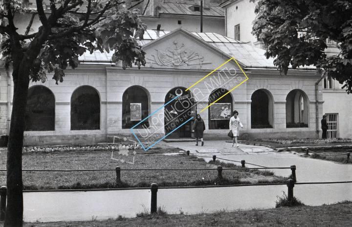 http://uamoment.com/gallery/Lviv--st--Horseshoe-1--former-guardhouse-1002 photo
